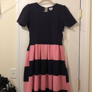 LuLaRoe Dresses - NWT Lularoe Amelia Dress